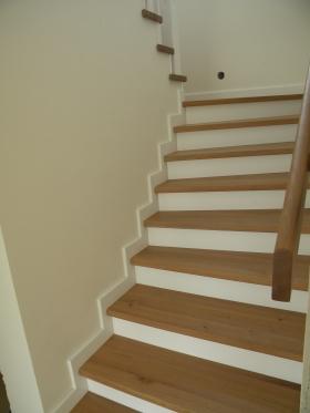 drevene schody a zabradlia